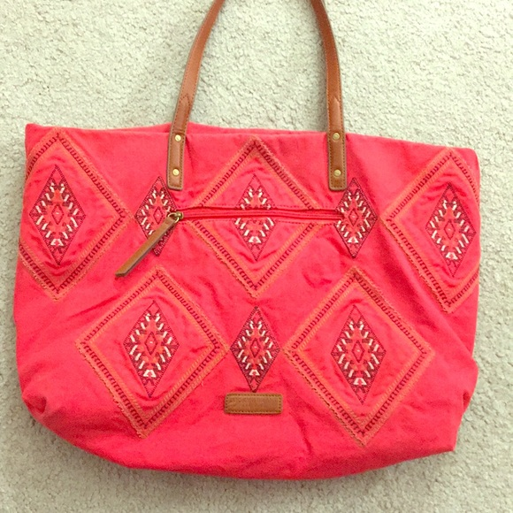 Lucky Brand Handbags - 🍀 Lucky Brand Large size tote red boho awesome🍀